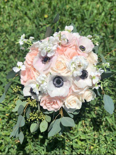 Pale colored bouquet