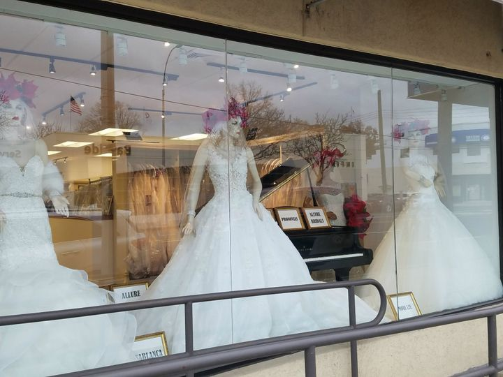 Tmx 20181214 134957 51 645315 Bayside, NY wedding dress
