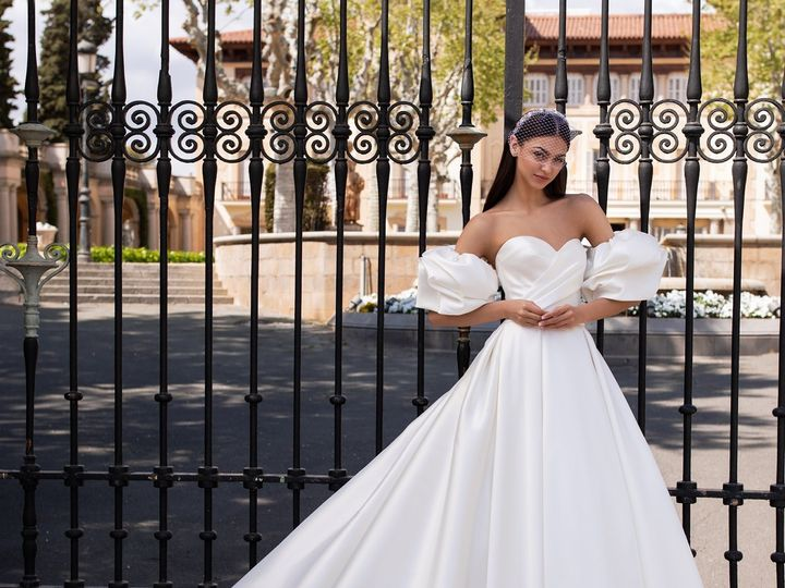 Tmx Pronovias2020 2 51 645315 157644444177882 Bayside, NY wedding dress