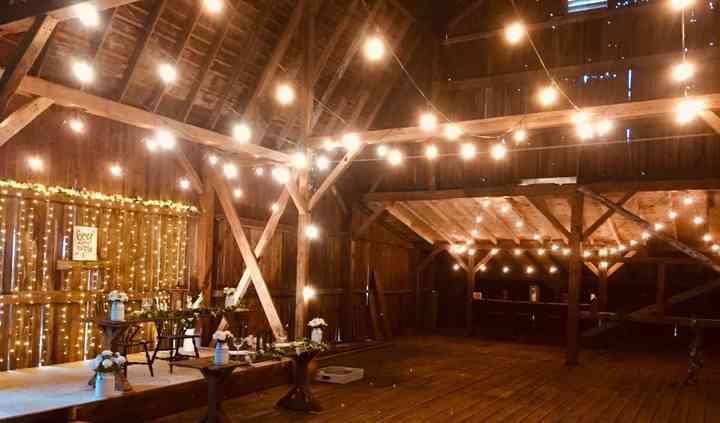 Majestic Oaks Wedding Barn & Events
