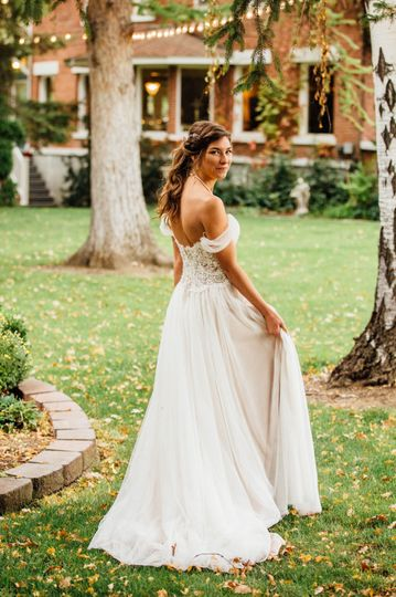 Beautiful fall bride