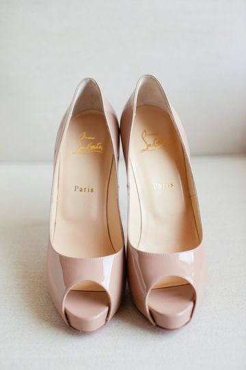 Bridal shoes | Carly Michelle Photography
