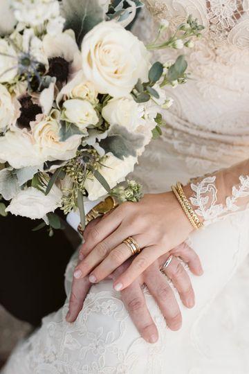 Unclose bridal bouquet
