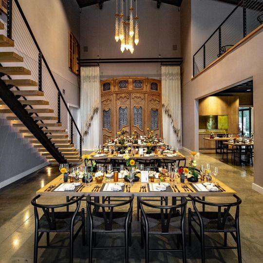 Intimate dining
