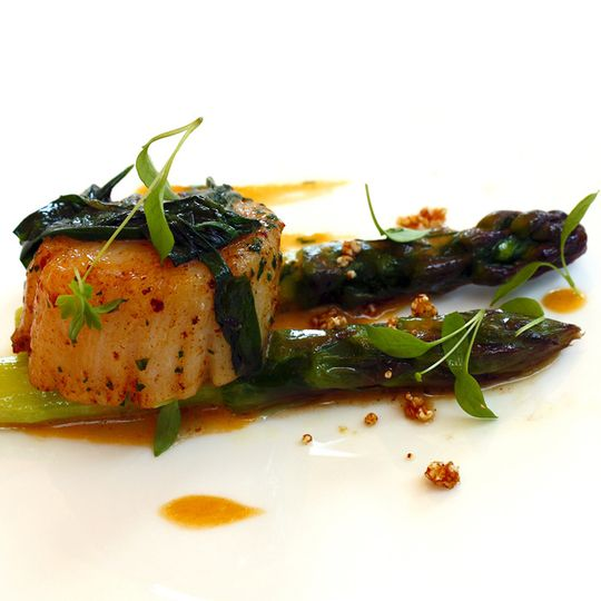 Pan-seared scallops w/ asparag
