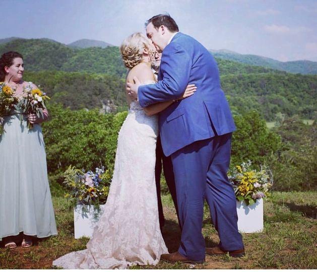 Wedding ceremony at Paint Rock Farm