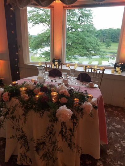 Sweetheart's table with flowers