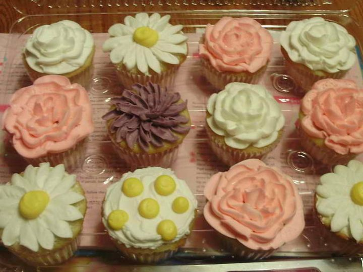 Tmx 1377799424337 Spring Flower Cupcake Surry wedding cake