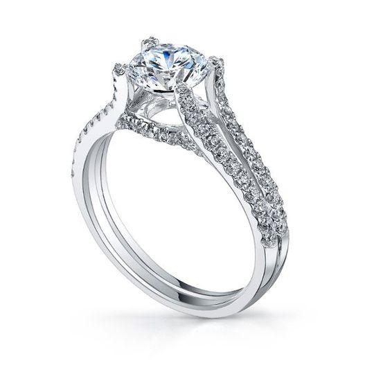 Elevated diamond