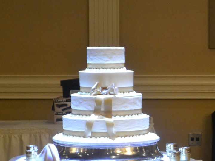 Tmx 1513795242054 Stacked Cake On Dance Floor With Pindot Wexford wedding venue