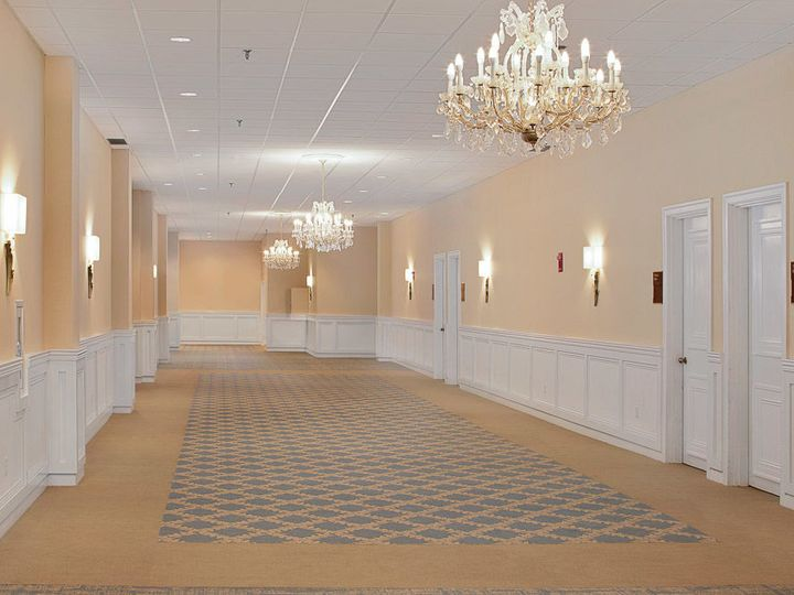 Tmx 1517415349 4837ad4faf2ea5aa 1517415348 Aa1b0439b104a97e 1517415347880 2 Foyer Westford, MA wedding venue