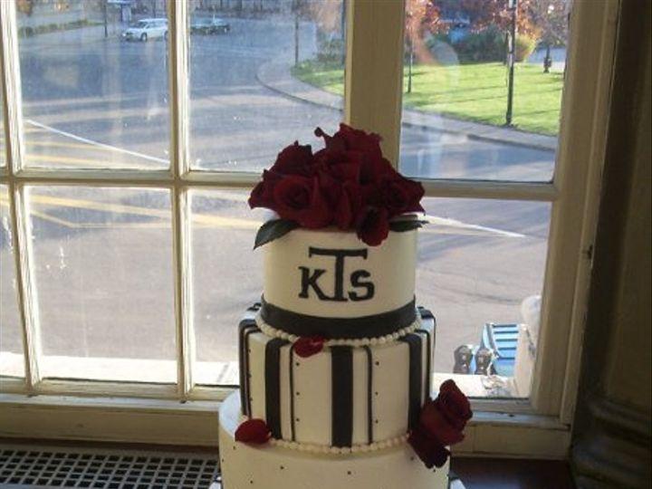 Tmx 1256350563287 CakePictures476 North Tonawanda, New York wedding cake