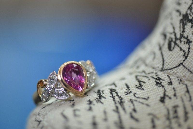 Eye-catching sapphires