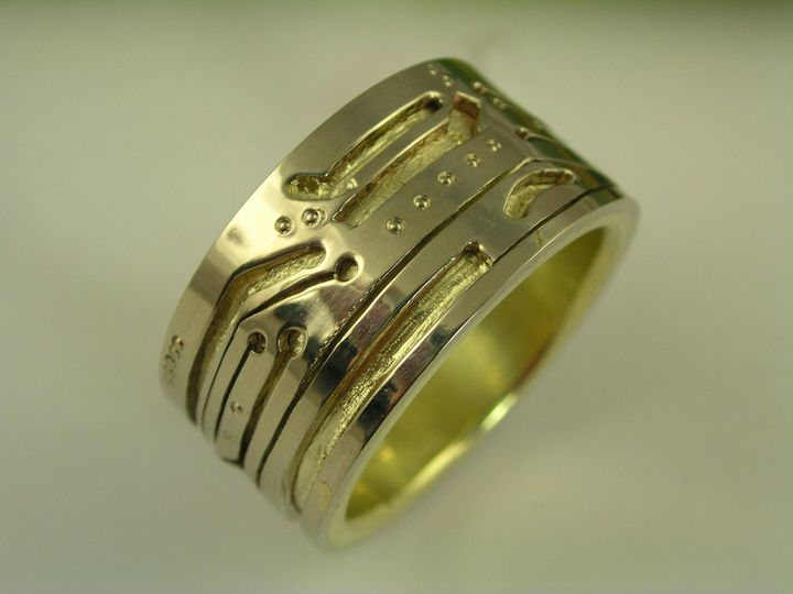 14 karat green gold over 14 karat white gold gents computer circuit board wedding band