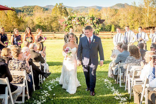 Tmx 1518209038 14a9b1f7e35e90f9 1518209037 325d648dc0271a46 1518209036069 7 October 4 Asheville, NC wedding venue