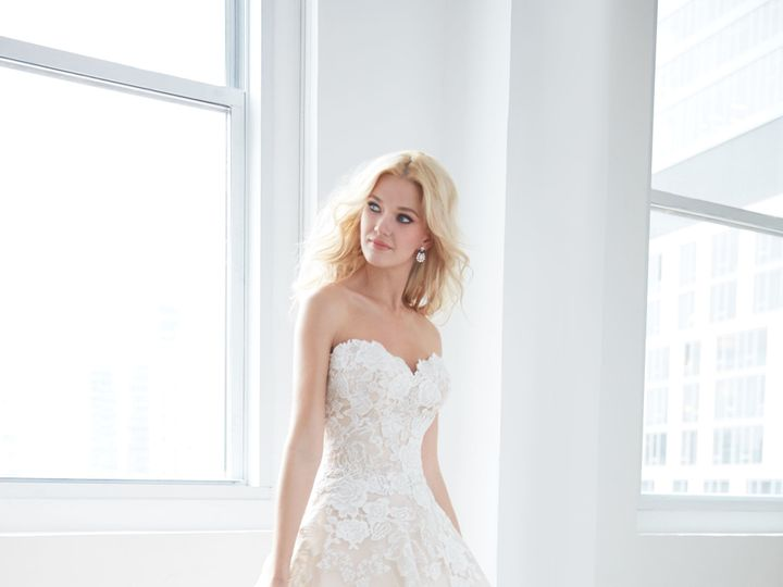 Tmx 1525533862 804edbecf7838ebd 1525533860 F2e3c2970802a878 1525533797701 5 Mj354 Olathe, Missouri wedding dress