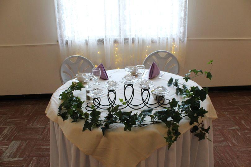Sweetheart Table in Meadows