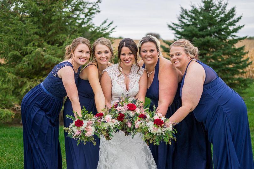 Bride ands bridesmaid