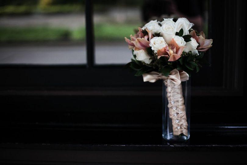 Mydann flowers palm springs ca weddingwire 800x800 1340312379082 carrieandjoefull151of458 mightylinksfo
