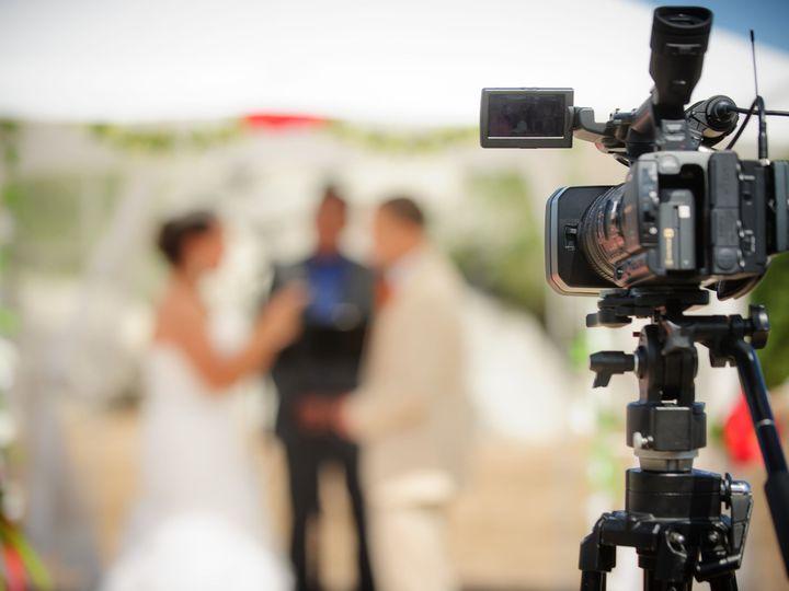 Tmx 1525974330 040f8703432c575f 1525974327 A92ada20f0369586 1525974301602 2 648 Glenview, IL wedding videography