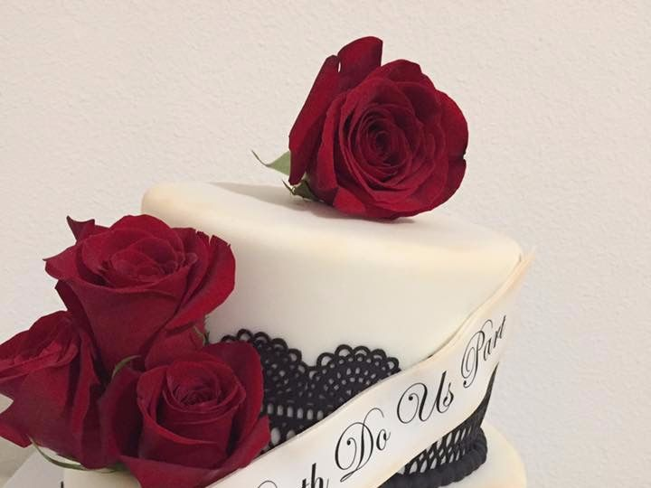 Tmx Cake Red Roses Wedding 51 1477815 1567976347 Kissimmee, FL wedding cake