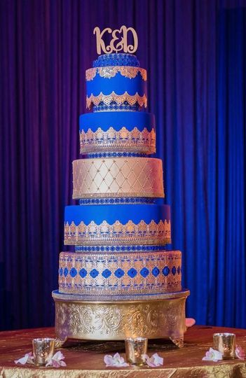 Royalty wedding cake