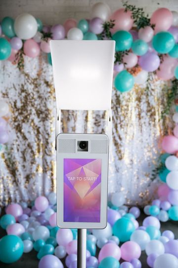 Modern photo booth