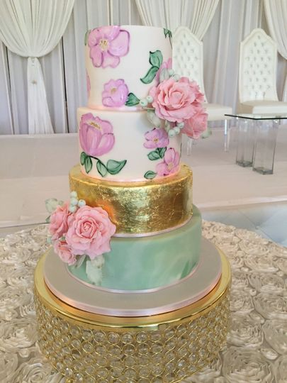 Dainty wedding cake
