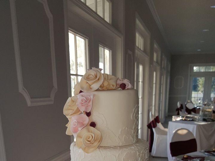 Tmx 1538662249 0df10b0ac90de342 1538662245 9be43747afb60870 1538662249917 38 Pam Orlando, FL wedding cake