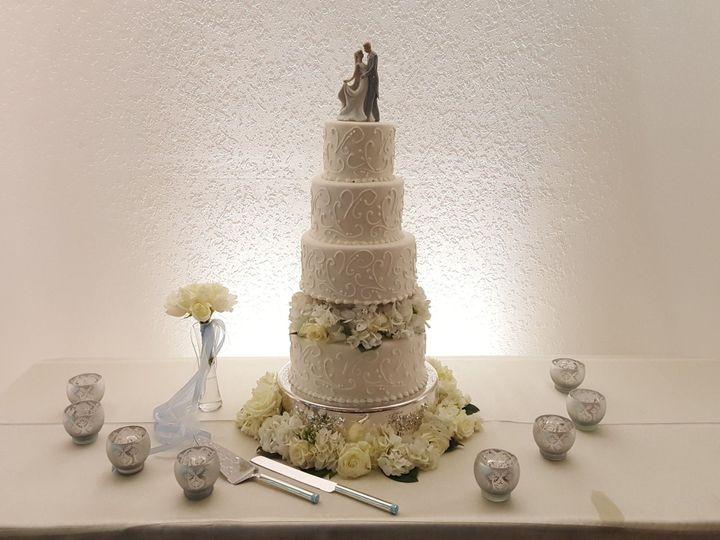 Tmx 1538662784 7b5ea87c246f318a 1538662782 19b9901554e75f93 1538662788371 44 20170304 154457 Orlando, FL wedding cake