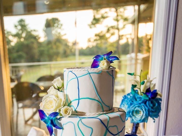 Tmx 1538662962 6381fcf0e024c1ce 1538662960 A1d122da81de465f 1538662962078 58 Brann 115 Orlando, Florida wedding cake