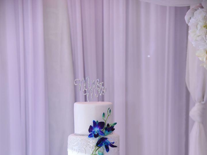 Tmx 1538663005 C8d27847a7a643d7 1538663003 F4139e545052aede 1538663009567 64 Christine Orlando, Florida wedding cake