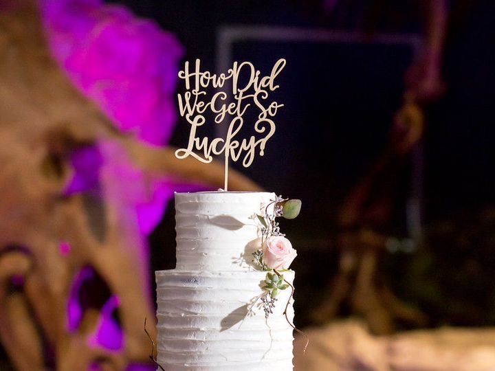 Tmx 1538663115 831302e69784dc9d 1538663114 F9c3c7c34b470930 1538663121651 78 Tanya Orlando, Florida wedding cake