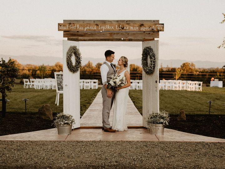 Tmx Lorenz Wedding Photos 151 51 1069815 158361998571939 Aurora, OR wedding venue