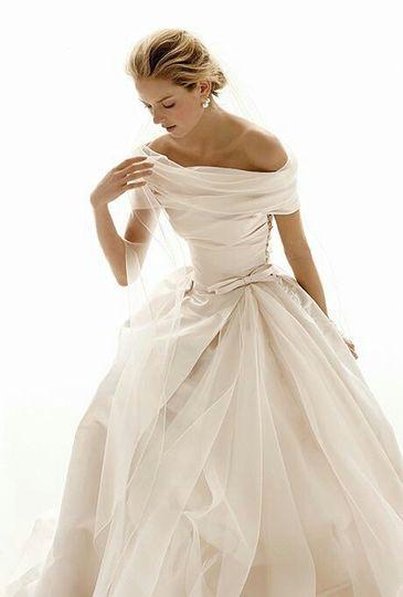 Off-white boat neck wedding dress