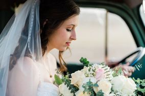 Joann Jones Portraits & Weddings