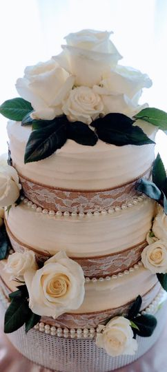 Classic, floral cake