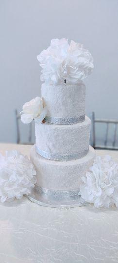 Sparkling white cake