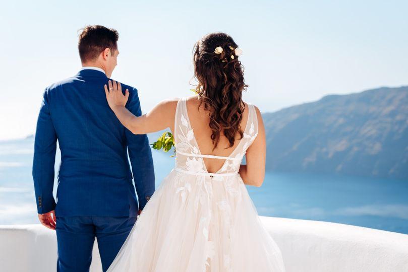 Couple before the vista, Kapetanakis Photography