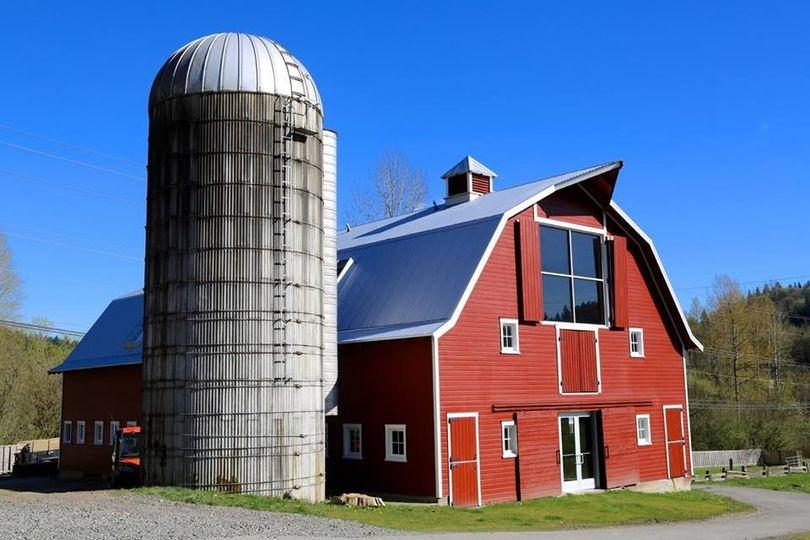 farm barn. 800x800 1484166587233 Red Barn 2 Farm R