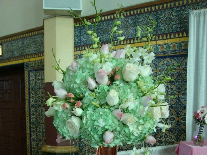 Tmx 1375475781250 Greenpinkroseshydrangeas2013 Harrisburg, Pennsylvania wedding florist