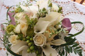 """I Do"" Weddings and Flowers"