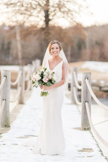 Winter bride wedding