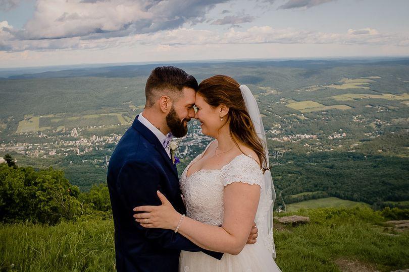 22 stephanie daniel wedding 01 9 51 200125 1572805849
