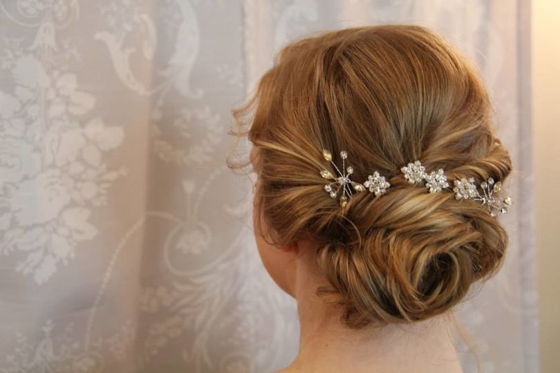 Bridal updo and floral notes