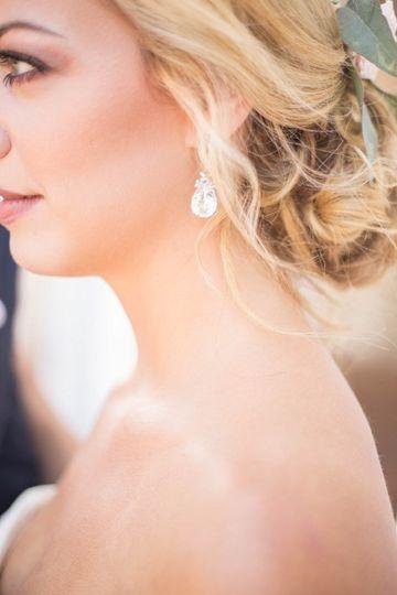 Bridal hair and earrings