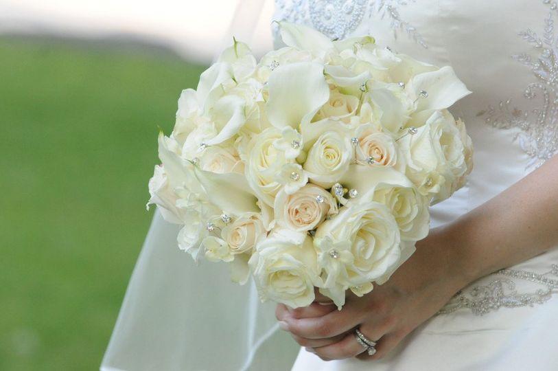 Creamy Classic - white and cream roses, mini callas and stephanotis