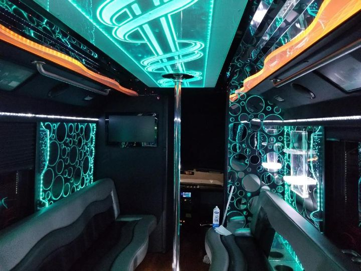 24Passengers VIP Party Bus Int