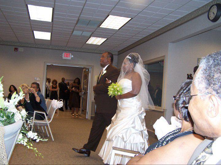 Tmx 1522401418 F4040dd9cd58e236 1522401417 79721c4dd3698dd0 1522401415121 2 169038 17562496248 Bellport wedding band