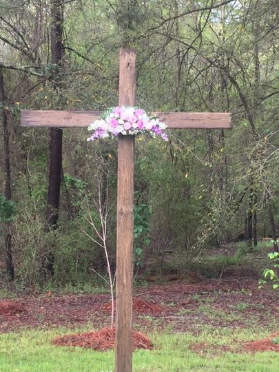 Outdoor  wedding cross